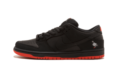 Dunk Low SB TRD QS Black Pigeon