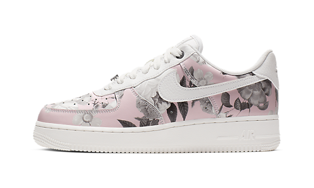 Wmns Air Force 1 '07 LXX 'Pink Floral