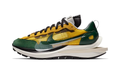 Nike Vaporwaffle sacai Tour Yellow Stadium Green