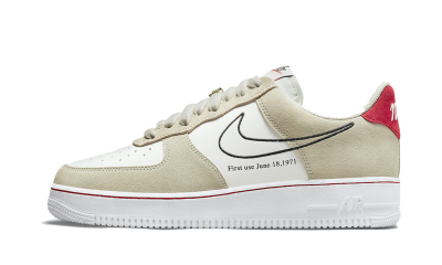 Nike Air Force 1 07' LV8 First Use