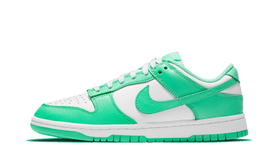 Nike Dunk Low 'Green Glow' (W)