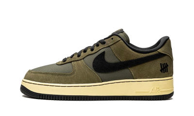 Nike Air Force 1 Low SP UNDEFEATED Ballistic Dunk vs. AF1